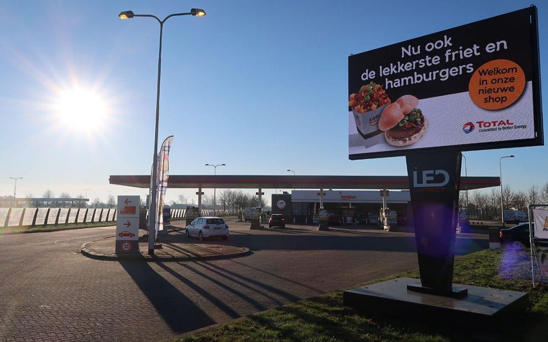 Total kiest voor LEDimpact op Tankstations